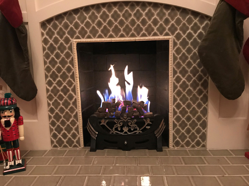 Expert tip: Paint the Fireplace Black